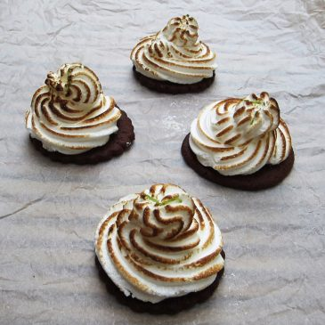 Mini Lime Meringue Pies – Salter Giveaway