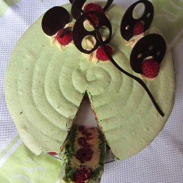 Pistachio & Raspberry Macaron Cake