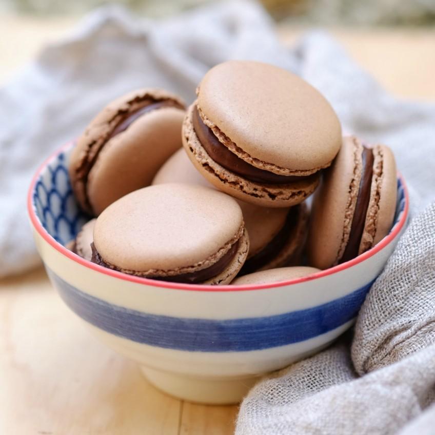 marmite-macarons