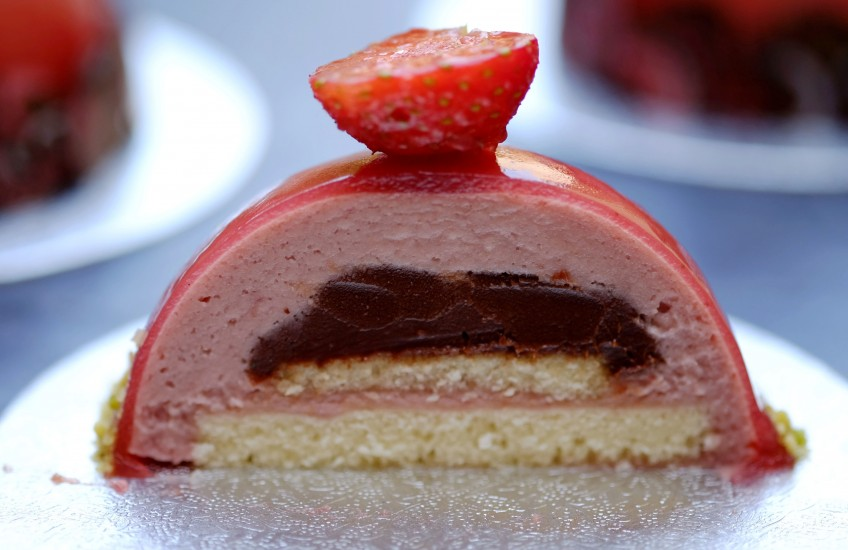 Strawberry & Hendrick's Dome | Patisserie Makes Perfect