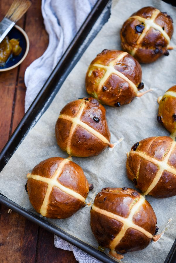 Matcha, Cranberry & White Chocolate Hot Cross Buns   Patisserie Makes Perfect